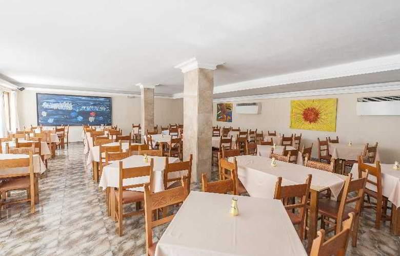 Hostal Casa Bauza - Restaurant - 12
