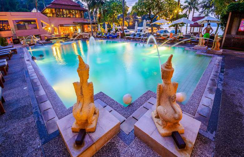 Seaview Patong - Pool - 24
