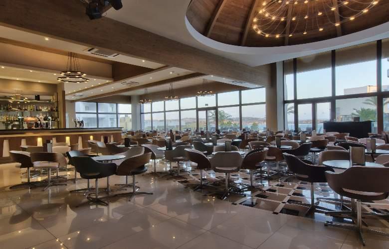 db San Antonio Hotel + Spa - Bar - 5