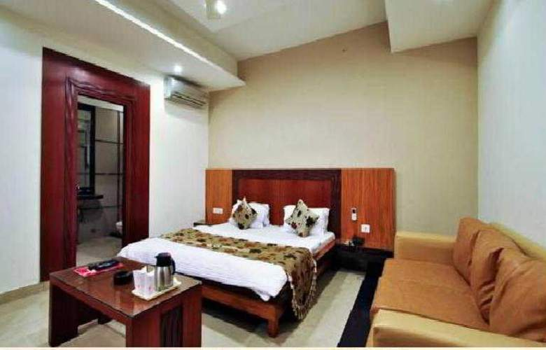 Mandakini Plaza Kanpur - Room - 11