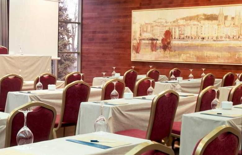 Abba Burgos - Conference - 17