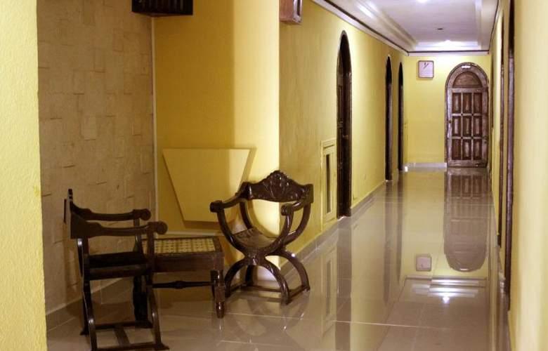 Montejo Palace - Hotel - 3