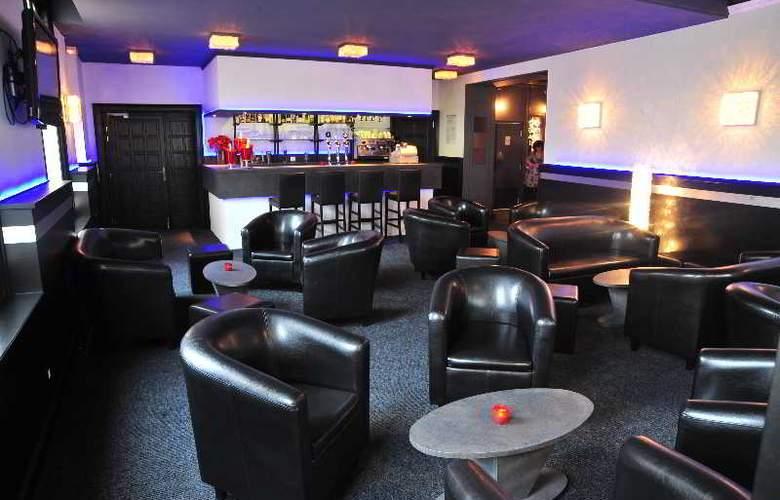 Interhotel Le Bretagne - Bar - 14