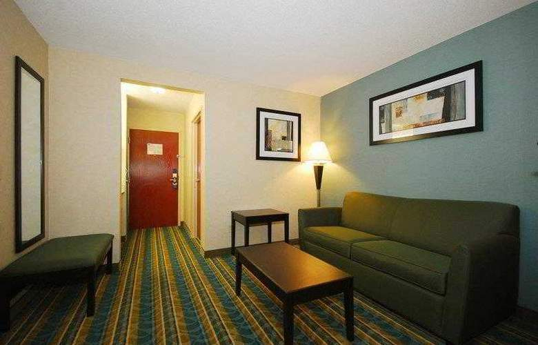 Berkshire Hills Inn & Suites - Hotel - 10