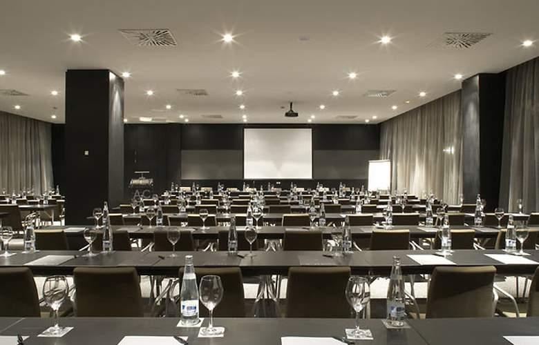 AC La Finca - Conference - 3