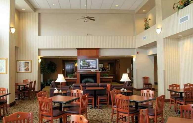 Hampton Inn & Suites by Hilton Kitchener - Hotel - 1