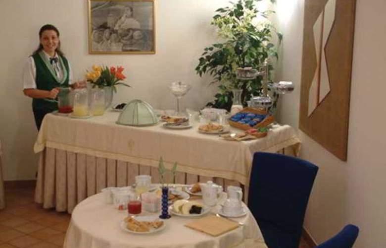 Caravaggio Hotel - Restaurant - 9