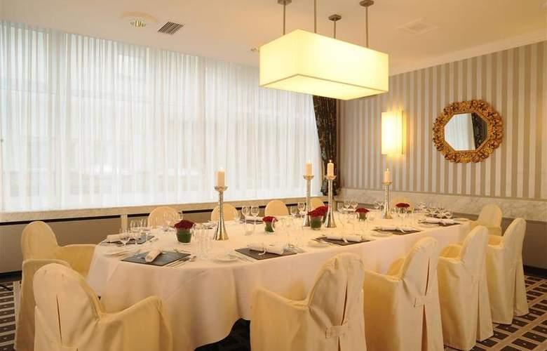 Best Western Premier Parkhotel Kronsberg - Restaurant - 50