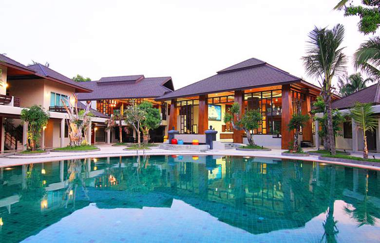 Pilanta Spa Resort - Pool - 2