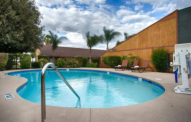 Best Western Big Country Inn - Pool - 3