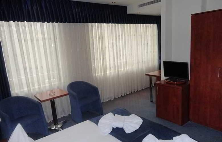 Samaa - Room - 13