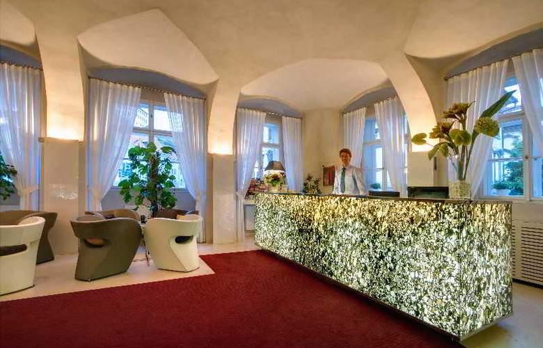 Three Storks Hotel - General - 12