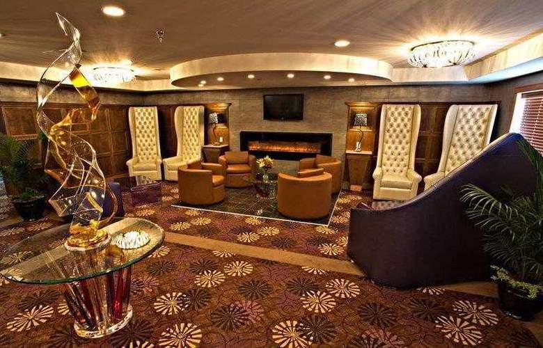 Best Western Plus Camrose Resort & Casino - General - 10