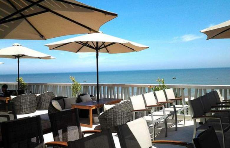 The Cliff Resort & Residences - Terrace - 17