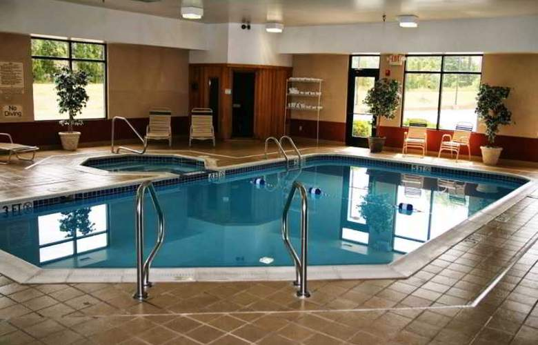 Hampton Inn Cleveland Airport-Tiedeman Rd - Pool - 7
