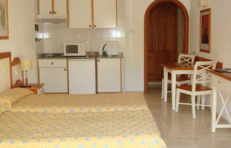 Klayman Olivina Aparthotel - Room - 2