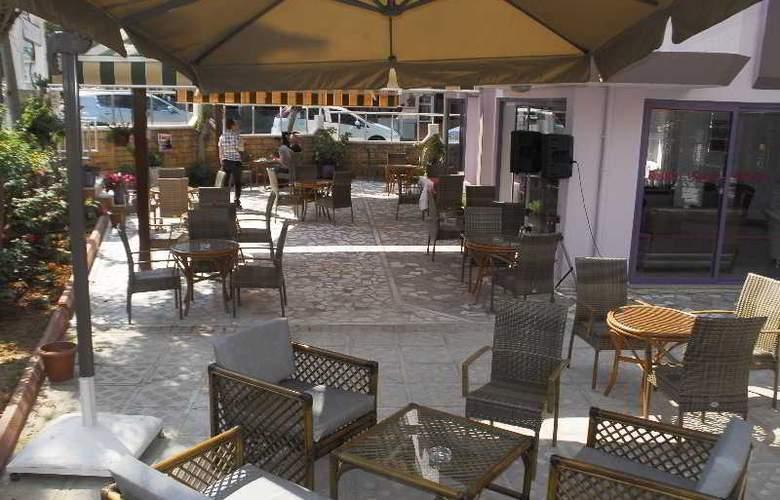 Rosella Apart & Hotel - Terrace - 13