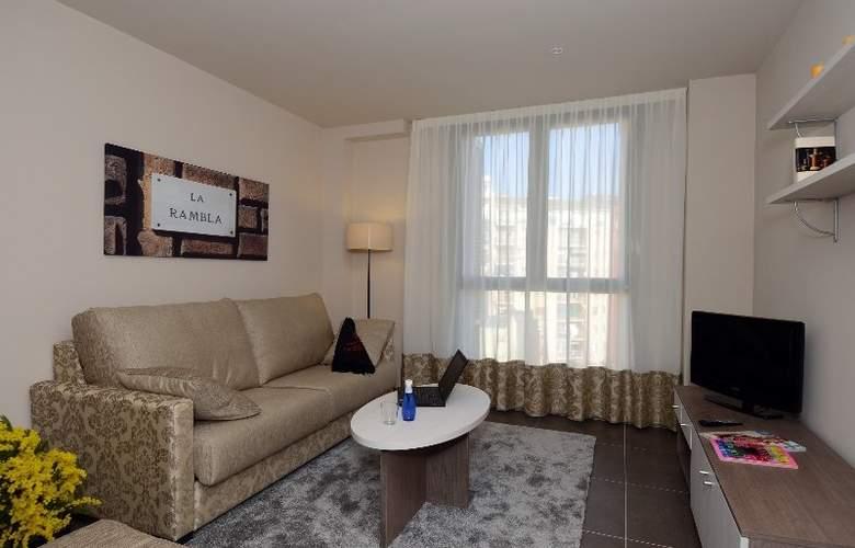Pierre & Vacances Barcelona Sants - Hotel - 6