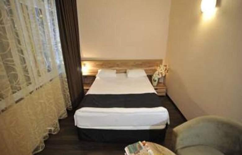 Diplomat Hotel - Room - 10
