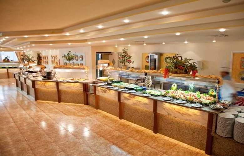 Sirenis Tres Carabelas & SPA - Restaurant - 30