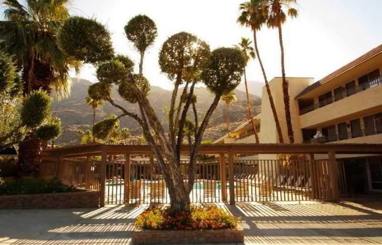 Vagabond Inn Palm Springs - Hotel - 4