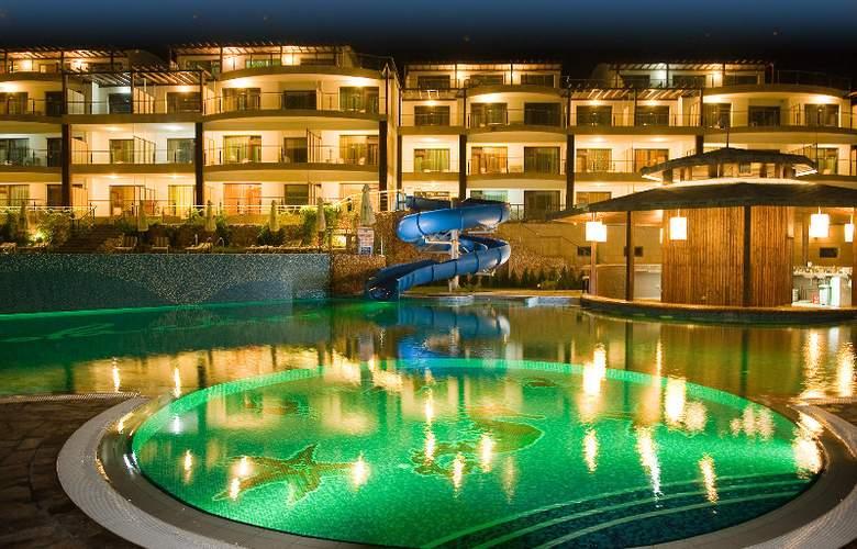 Topola Skies Golf & Spa Resort - Pool - 8