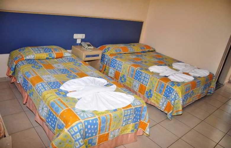 Montebello Beach Hotel - Room - 7