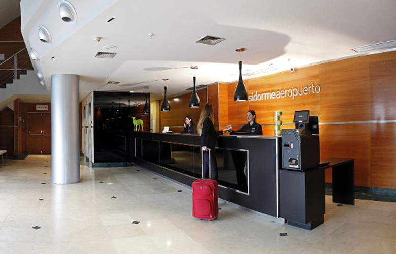 B&B Madrid Aeropuerto T4 - General - 1