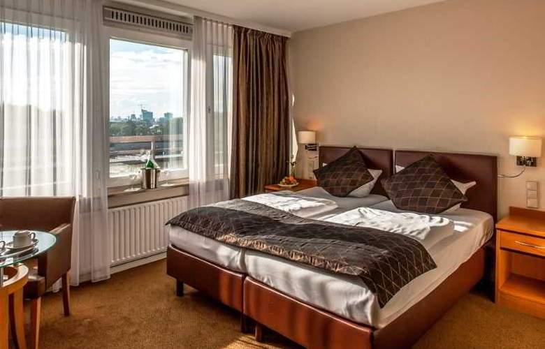 Carat Hamburg - Room - 10
