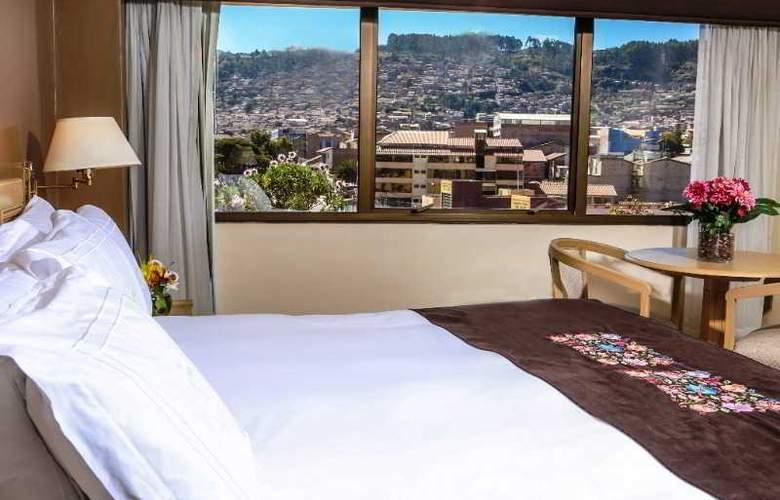 Jose Antonio Cusco - Room - 6