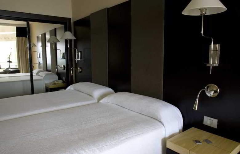 NH Imperial Playa - Room - 8