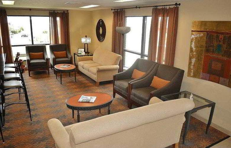 Best Western Plus Inn & Conference Center - Hotel - 3