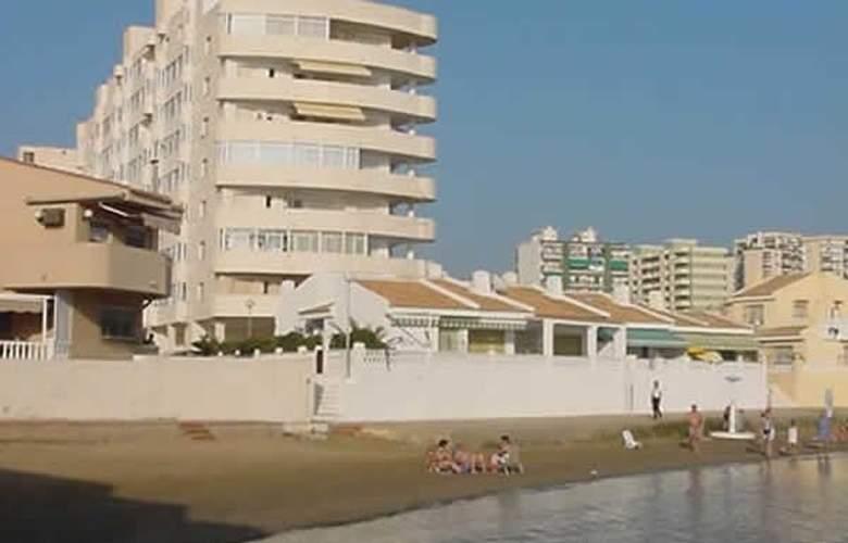 Apartamentos Aluse - Hotel - 1