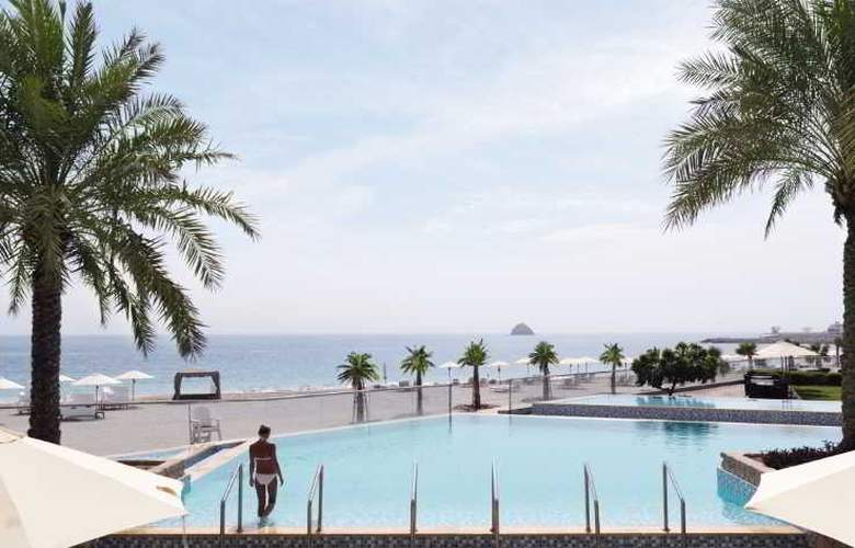 The Radisson Blu Resort Fujairah - Pool - 14