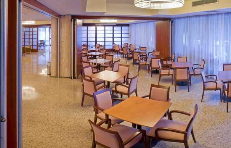 Oasis Park Park & SPA - Restaurant - 9