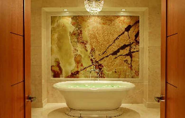 The Ritz Carlton Toronto - Room - 3