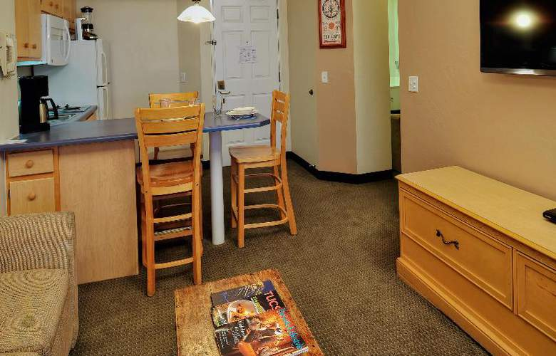 Varsity Clubs of America - Room - 19