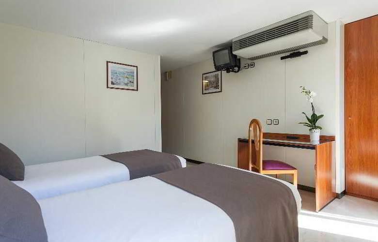 Condal - Room - 27