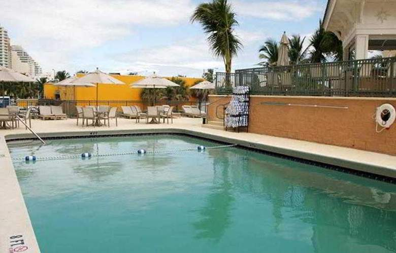 Courtyard By Marriott Fort Lauderdale Beach - Pool - 6