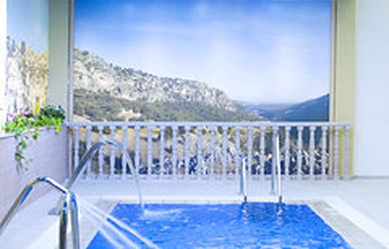Balneario Parque de Cazorla - Pool - 3