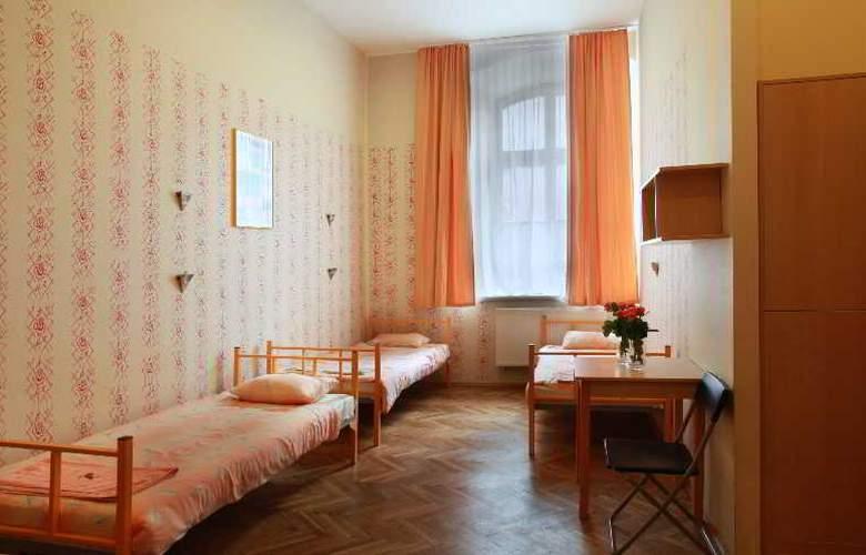 City Hostel - Room - 2