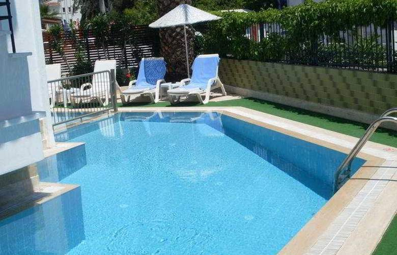 Villa Princess - Pool - 6