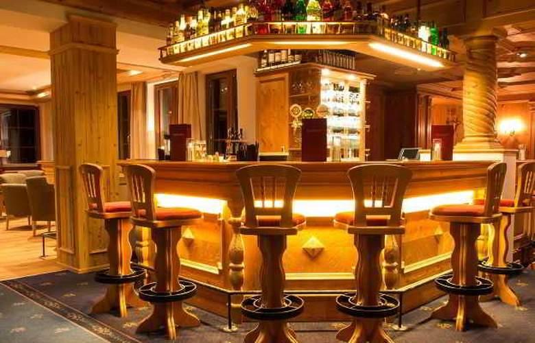 Karl Schranz - Bar - 3
