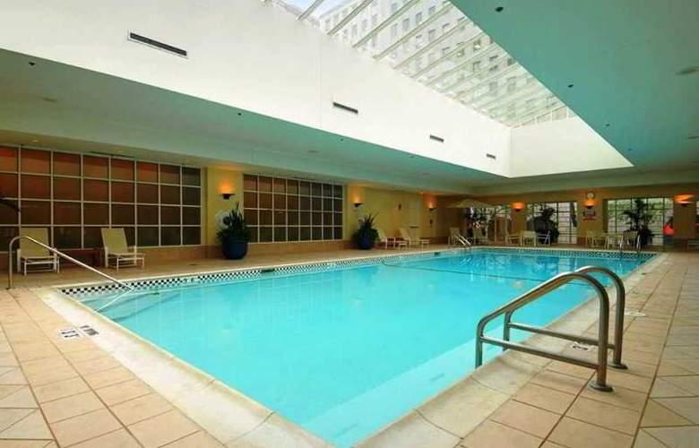 Hilton Portland and Executive Tower - Pool - 12