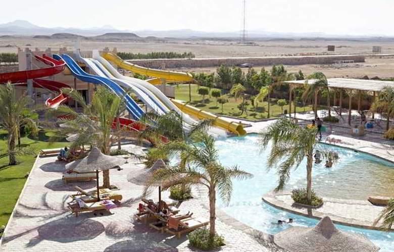 Three Corners Sea Beach Resort - Pool - 20