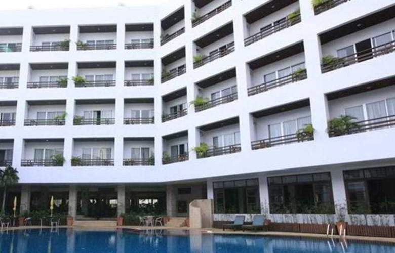 Areca Lodge Pattaya - Pool - 10