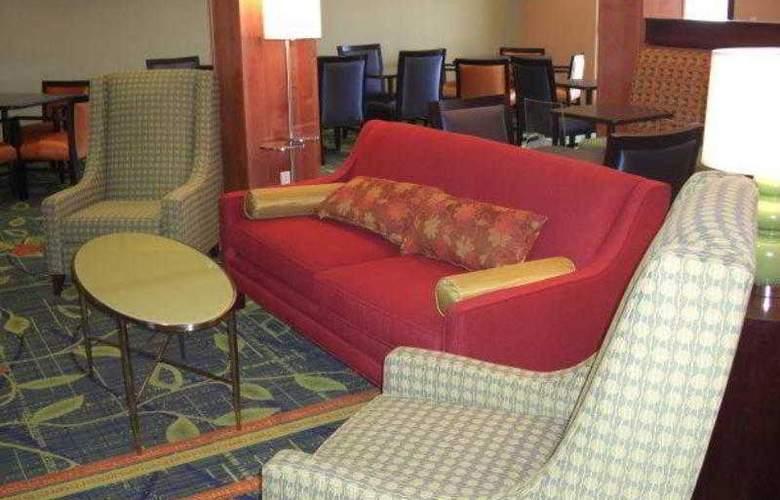 Fairfield Inn & Suites Santa Maria - Hotel - 3