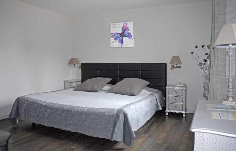 Hotel Roques - Room - 13