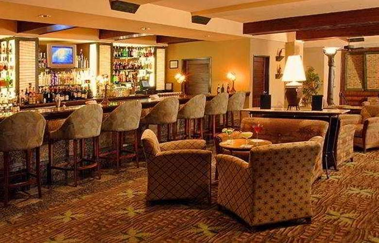 The Concourse Hotel at Los Angeles International Airport - Bar - 2