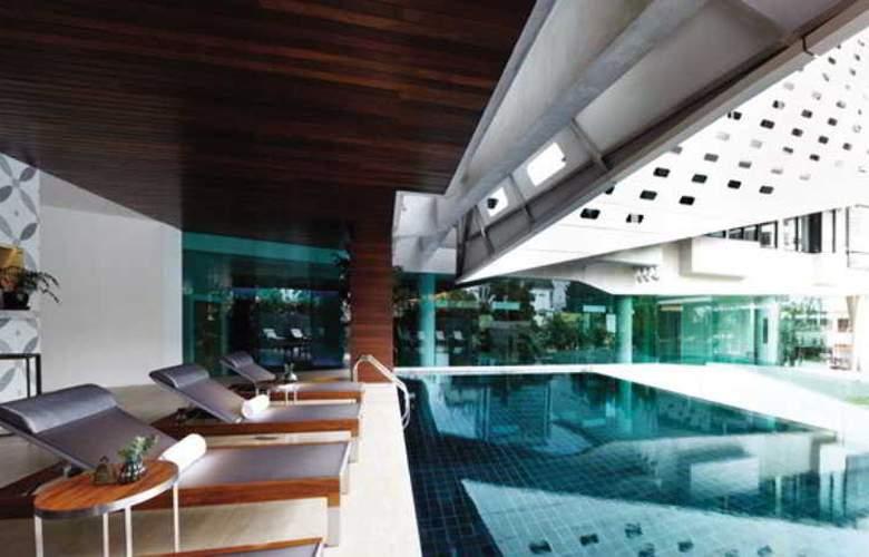 Lit Bangkok - Pool - 27